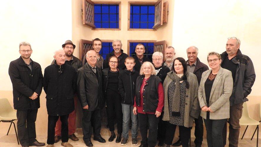 Les bénévoles des deux associations ont œuvré complémentairement pour restaurer la Tour d'Ortholès.