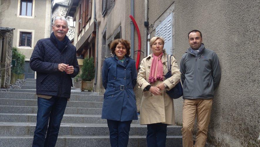 De gauche à droite :  Vincent Alazard, Mme Lugrand, Bernadette de Trémontels et Ronan Auberty.