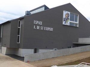 L'espace Antoine-de Saint-Exupéry vu du parking de l'Esplanade.