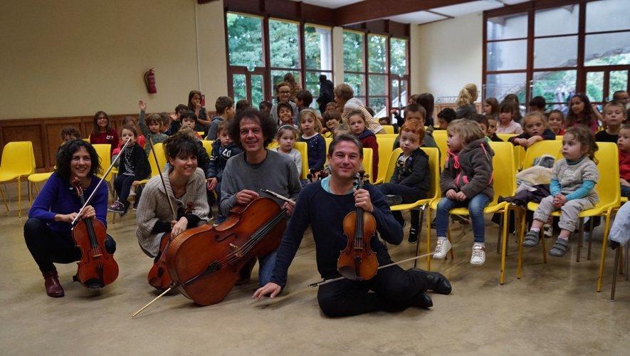 étonnement et silence pour écouter le quatuor