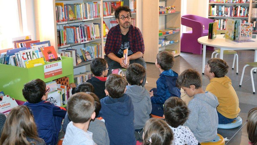 Les enfants de l'Accueil loisirs ont rencontré Thomas Scotto.