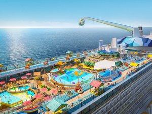 Vue sur les piscines de l'Odyssey of the Seas