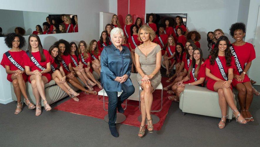 Sylvie Tellier, ici à côté de Line Renaud, est directrice générale de la société Miss France depuis 2007.