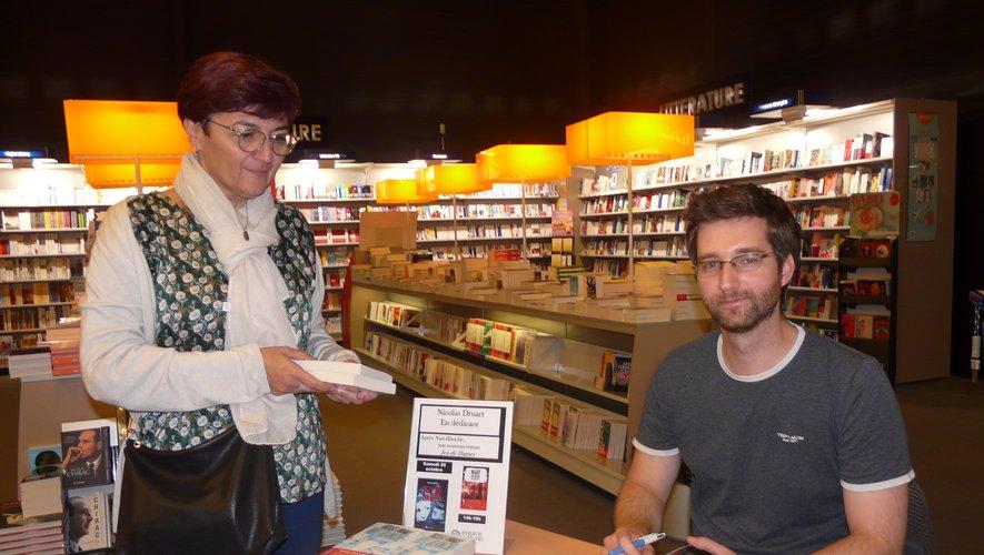 Nicolas Druart avec l'une de ses lectrices