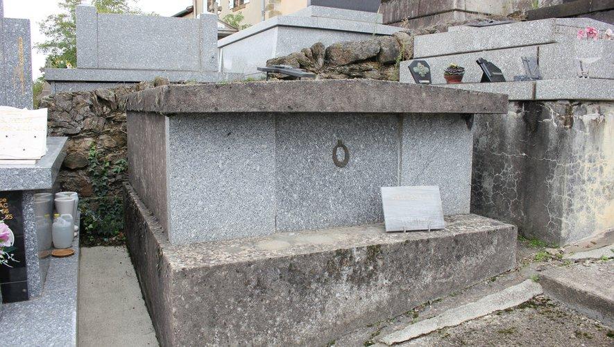 Des tombes très (trop ?) discrètes