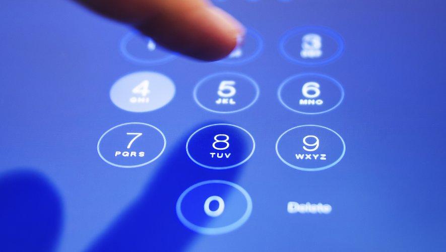 """Des """"difficultés"""" frappaient lundi les services de téléphonie mobile qui sont exploités par la banque Crédit Mutuel."""