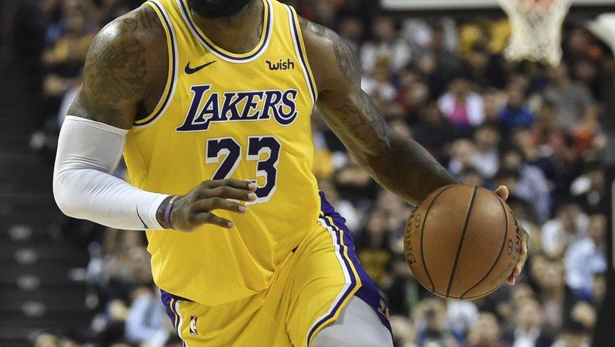 """En plus de sa carrière en NBA, LeBron James est un producteur prolifique avec de nombreux documentaires à son actif tels que """"What's My Name: Muhammad Ali"""" en 2019."""