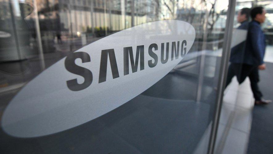 Samsung explore de nouvelles formes de smartphones pliables.