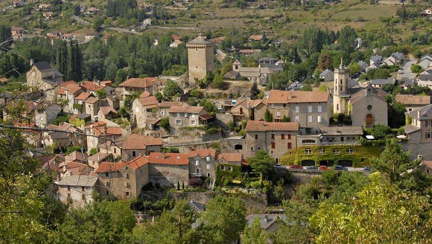 Peyreleau.  Villefranche et Rodez élaborent elles le Plan de sauvegarde et de mise en valeur.