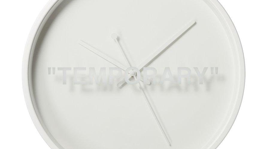 Horloge murale issue de la collection MARKERAD par IKEA et Virgil Abloh.