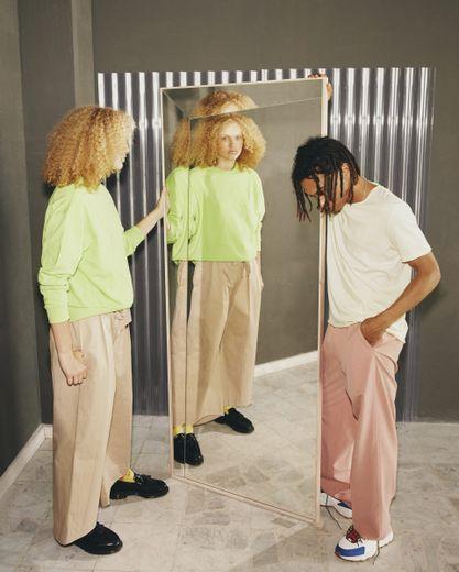 Miroir issu de la collection MARKERAD par IKEA et Virgil Abloh.