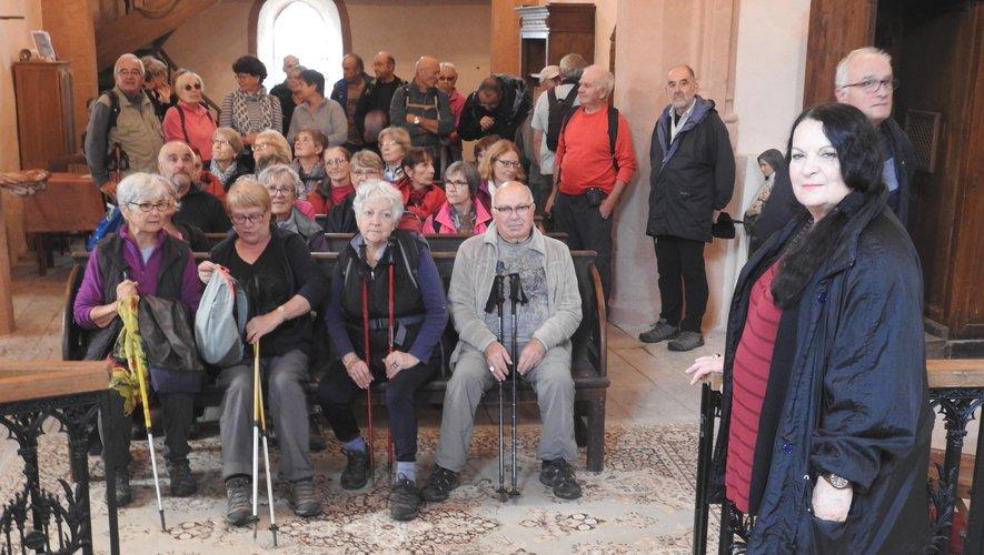 Mme Kachour a accueilli une cinquantaine de randonneurs avides de découvertes culturelles.