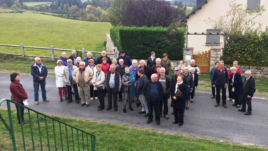 La visite guidée du village d'Anterrieux et du musée a captivé les visiteurs.