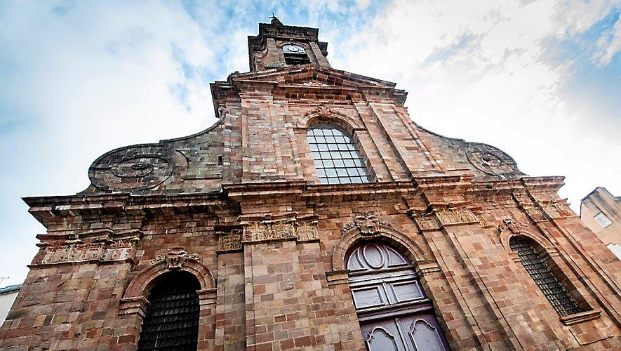« Dans le courant du mois de février 1794, l'église est envahie par un groupe d'hommes profanant les cercueils de plomb contenant les Corps Saints… »