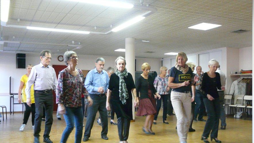 Les adhérents-danseurs étaient sur la piste de leur salle ce jeudi
