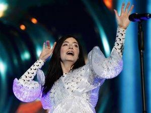 Lorde sur la scène du Corona Capital Music Festival de Mexico, le 17 novembre 2018