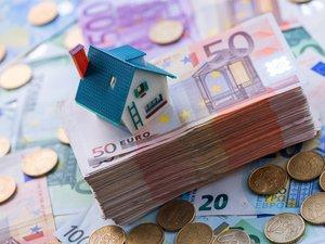 Le taux d'intérêt moyen des crédits immobiliers est retombé en octobre à un niveau jamais vu en France, après une brève et légère remontée le mois précédent