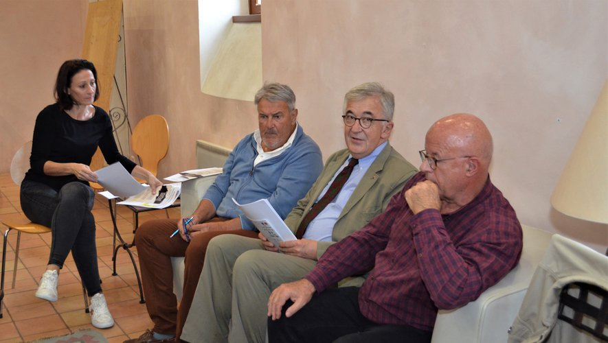 Philippe Meyer entouré de Raymond Barrès,  Jean-Marc Auméras et  Magalie Lacoste.