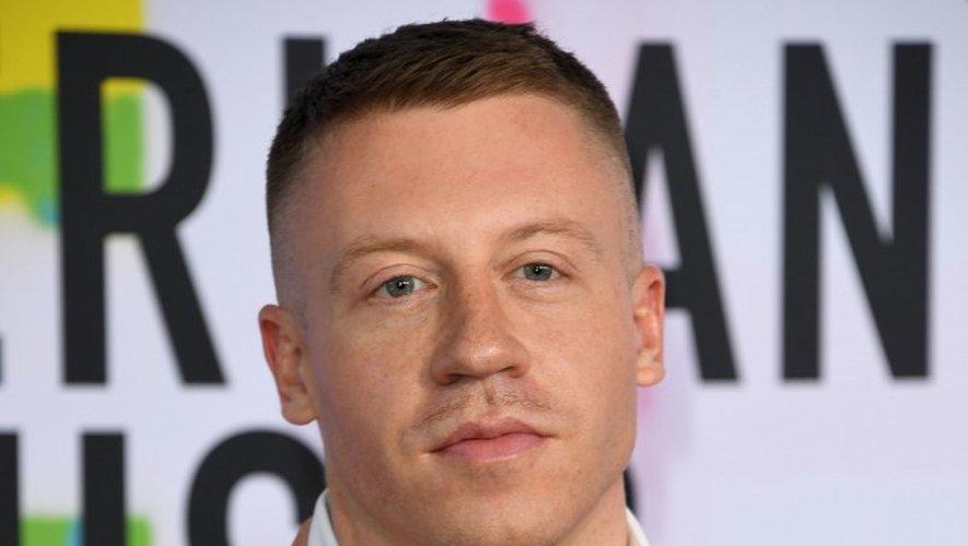 Le rappeur Macklemore arrive à la soirée des American Music Awards 2017, le 19 novembre 2017 à Los Angeles (Californie).
