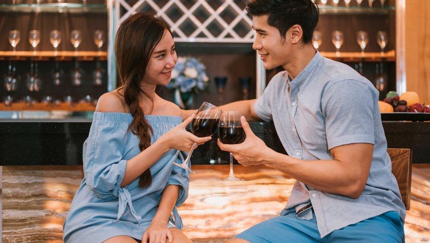 Les chercheurs ont constaté que les participants avaient tendance à diminuer le nombre déclaré d'anciens partenaires sexuels lorsqu'ils discutaient avec une personne susceptible de les attirer.