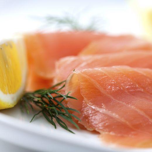 Un logo pour identifier le saumon fumé en France apparaît désormais sur les emballages