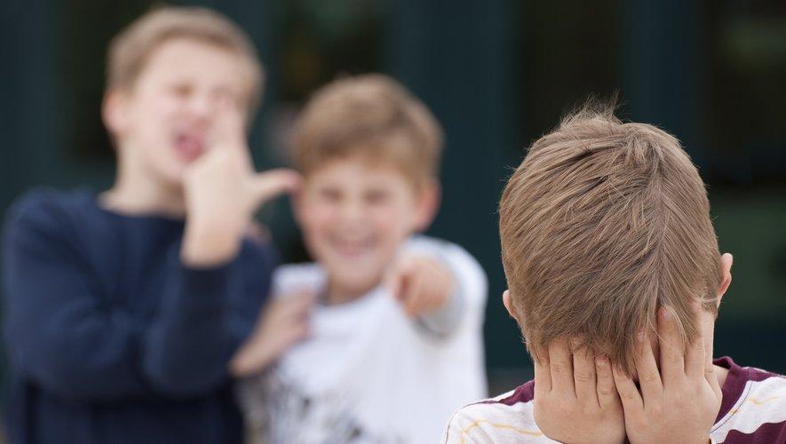 En France, près de 700.000 élèves sont concernés par le harcèlement scolaire, selon des chiffres du ministère de l'éducation nationale.