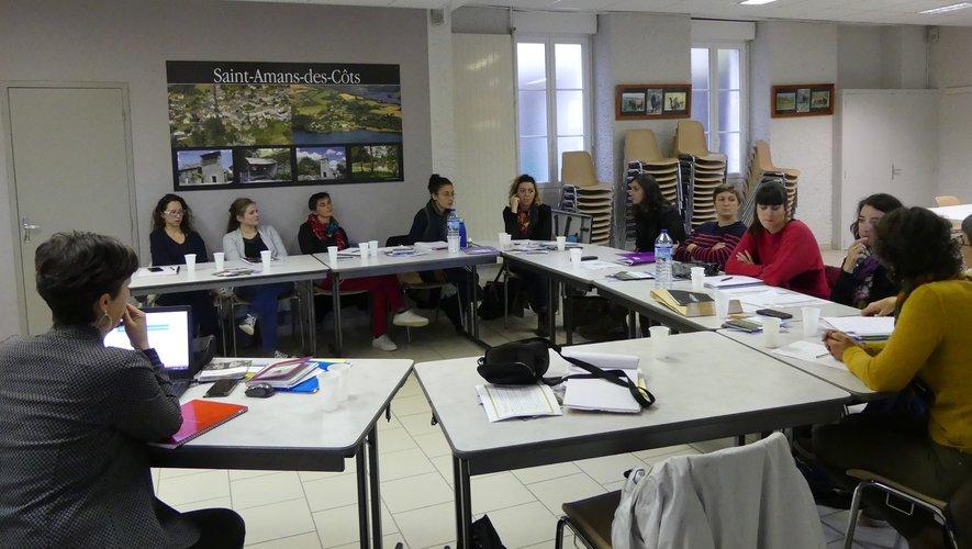 L'équipe de l'office de tourisme en réunion.