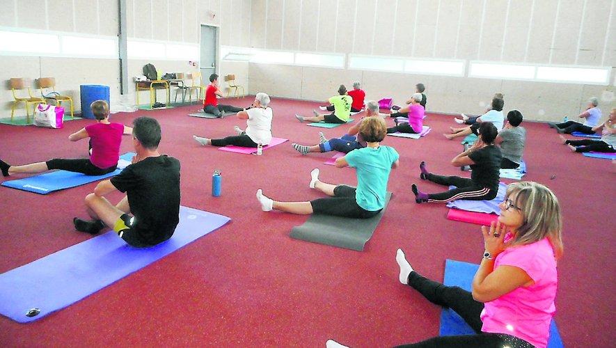 Séance d'un cours Pilates.