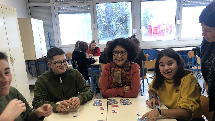 Armelle Fellahi, la Dasen, a participé à des ateliers sur le harcèlement avec les lycéens villefranchois.