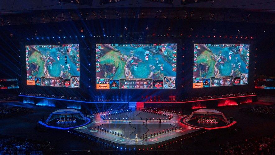 """""""League of Legends"""" à l'occasion de la finale des championnats du monde à Pékin"""