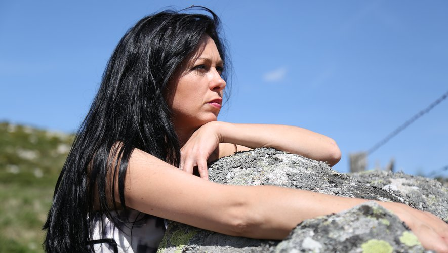 Vanessa Lacombe est « très attachée à l'Aubrac ». C'est d'ailleurs sur ce plateau qu'elle va chercher la matière première pour ses glaçons en granit On the rocks.