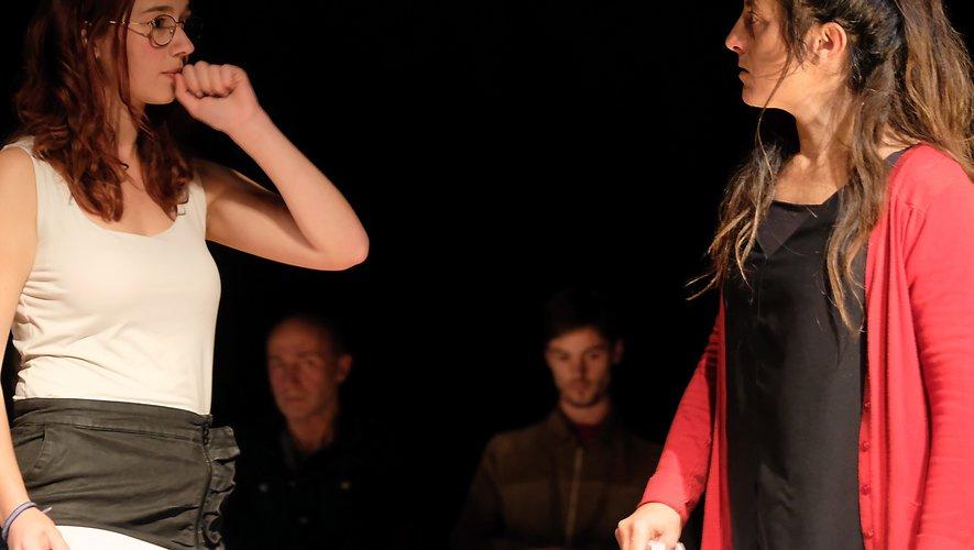Un stage de scène slam, une première en Aveyron, et un projet soutenu par Aveyron Culture.