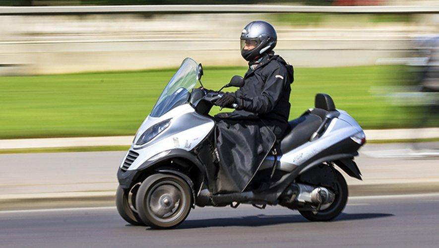 Quiconque se blesse en relevant un scooter tombé à terre doit être indemnisé comme victime d'un accident de la circulation