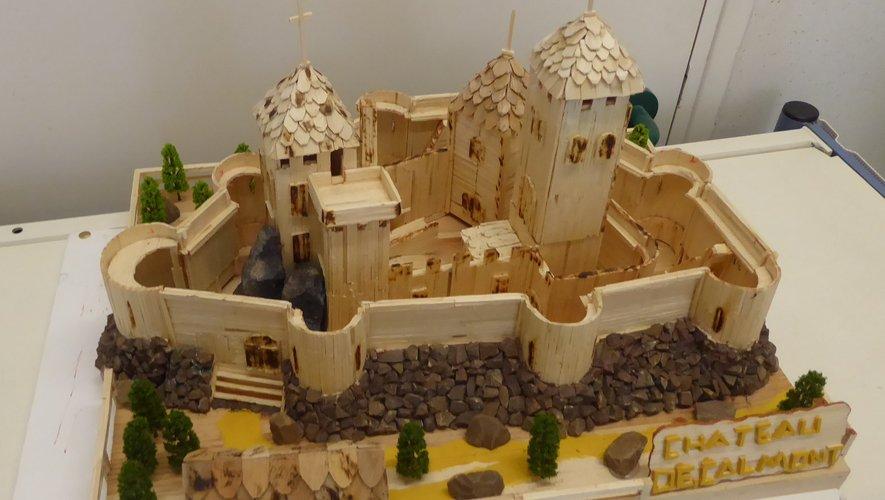 La maquette du  château de Calmont de Jean-Marie Goudeaux