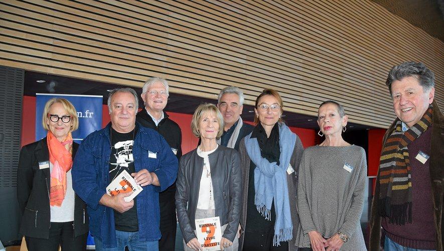 Bernard Cayzac avec la commission de l'association en charge de la biennale.