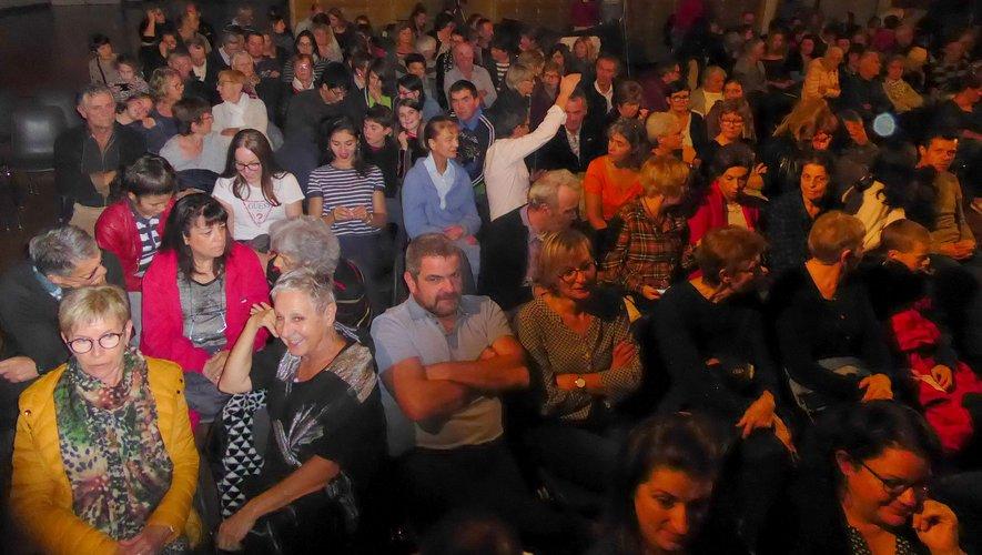 Le public a profité de cette soirée de rire et de bonne humeur.