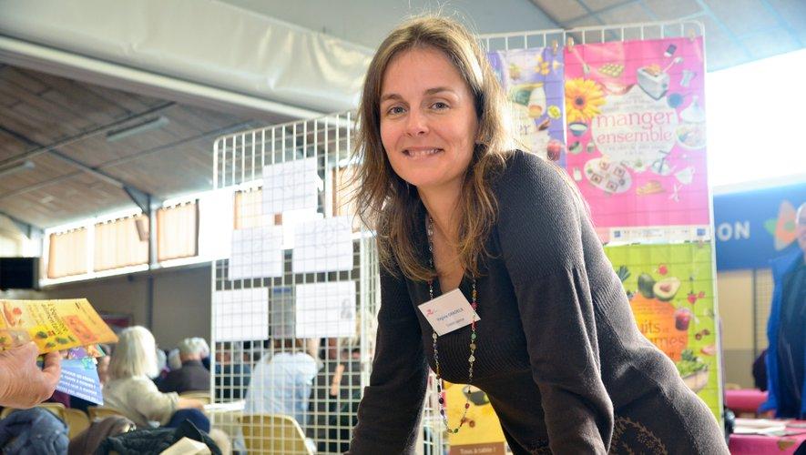 Une dizaine de stands d'information sur des questions touchant à la vie quotidienne, ici avec Virginie Gradels, diététicienne.