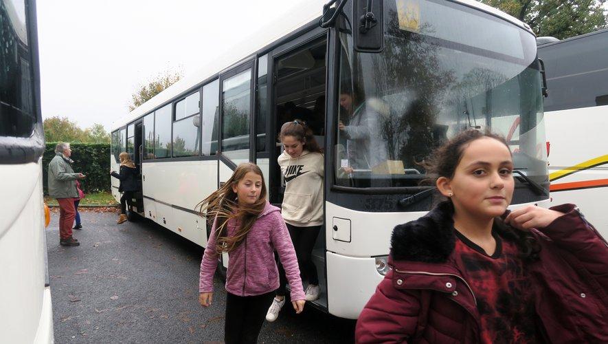 Les élèves ont réussi l'évacuation totale de leur autocar en 27 secondes.