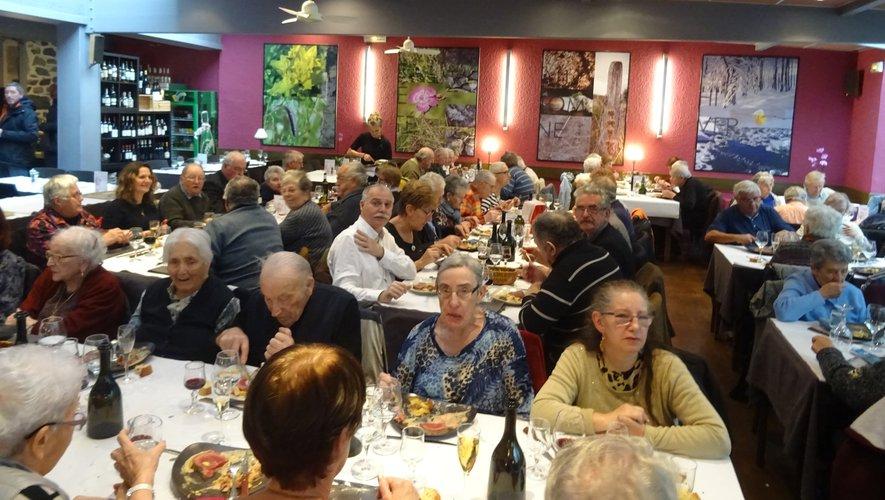 Repas des aînés au restaurant l'Aubrac