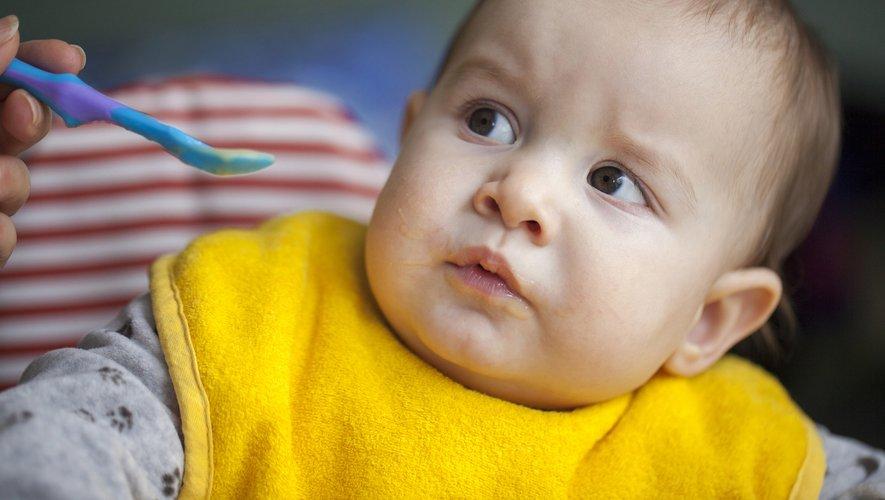 Les auteurs de l'étude ont établi que les nourrissons âgés de 6 à 11 mois consommaient l'équivalent d'une cuillère à café de sucres ajoutés par jour, soit 2% de leur apport calorique journalier.