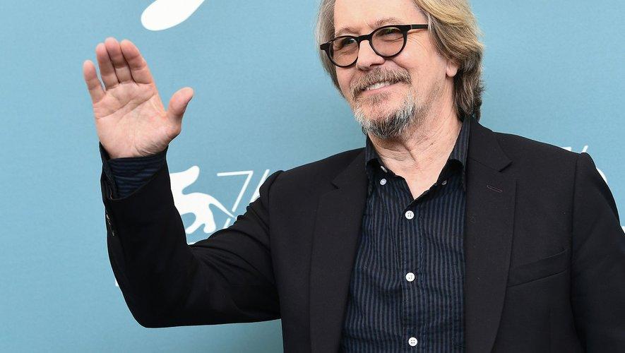 """Gary Oldman sera de retour au cinéma dans le drame """"The Woman in the Window"""" de Joe Wright aux côtés d'Amy Adams, le 20 mai 2020 au cinéma en France."""