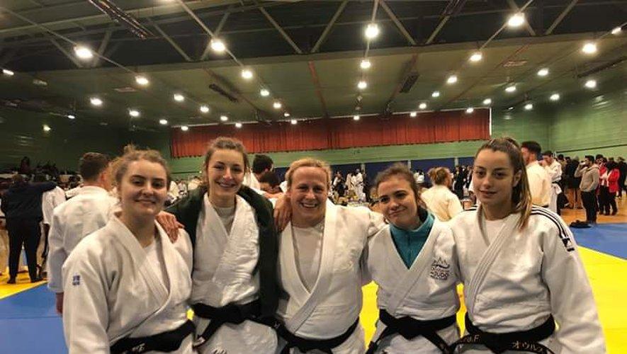 L'équipe seniors féminine de Judo Villefranche a vécu une journée magique.