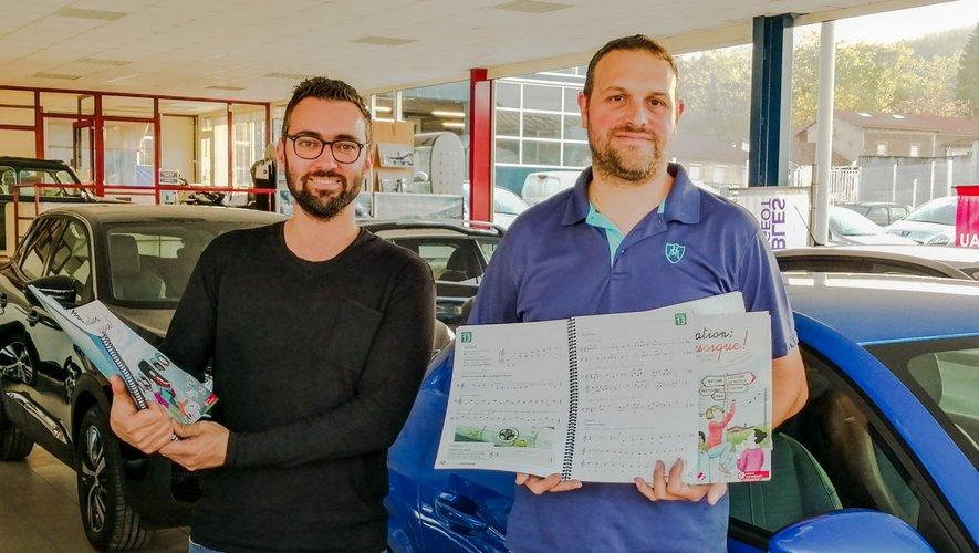 Dominique Cadoul et Guillaume Nouyrigat ont fait un don pour l'acquisition d'ouvrages destinée à l'école de musique.