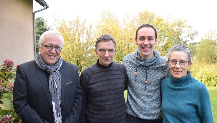 Le réalisateur Pascal Petitaux côtés des époux Debard, encadrant leur fils Antony.