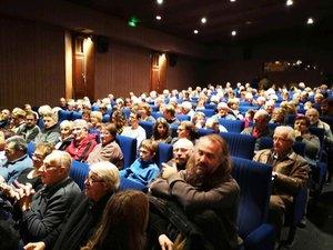 Le public venu nombreuxà la soirée Pigüé.