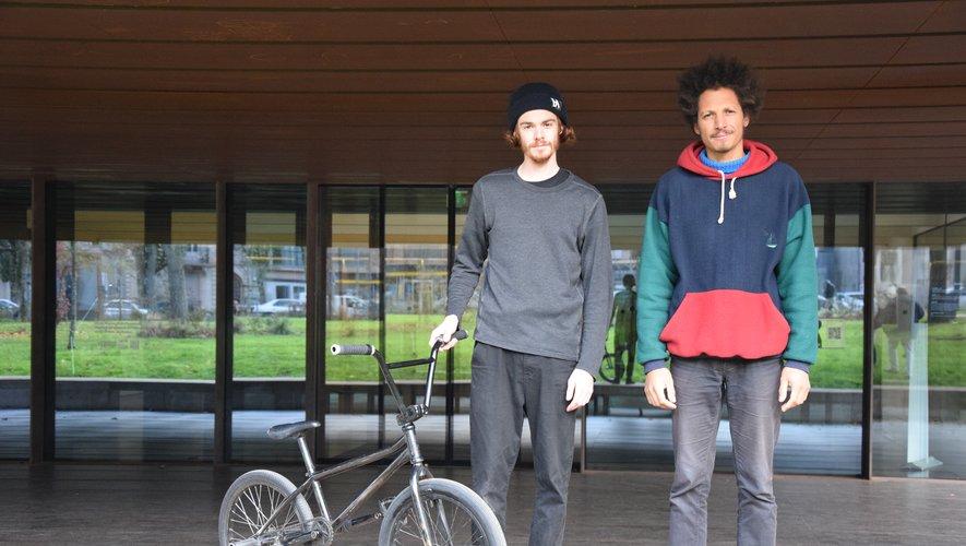 Matthieu Bonnecuelle et Joachim Sontag, à découvrir samedi 23 novembre à 15 heures devant le musée Soulages.