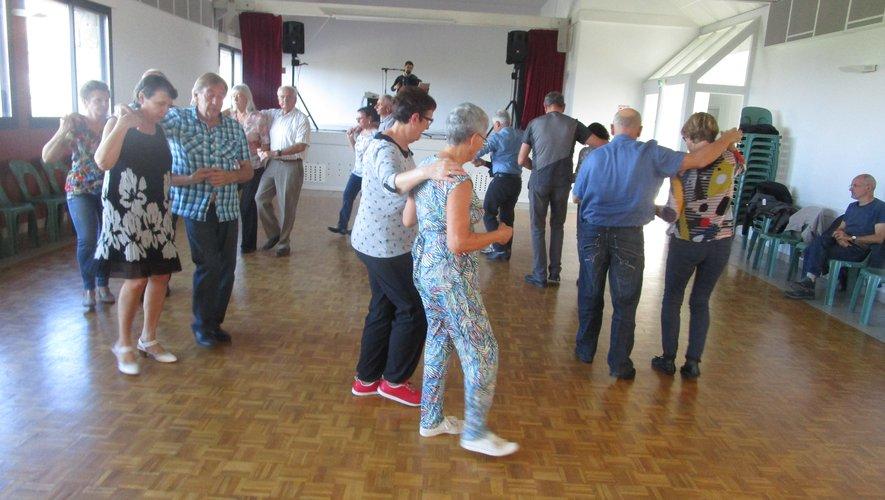 Les danseurs ont profité de ce moment convivial.