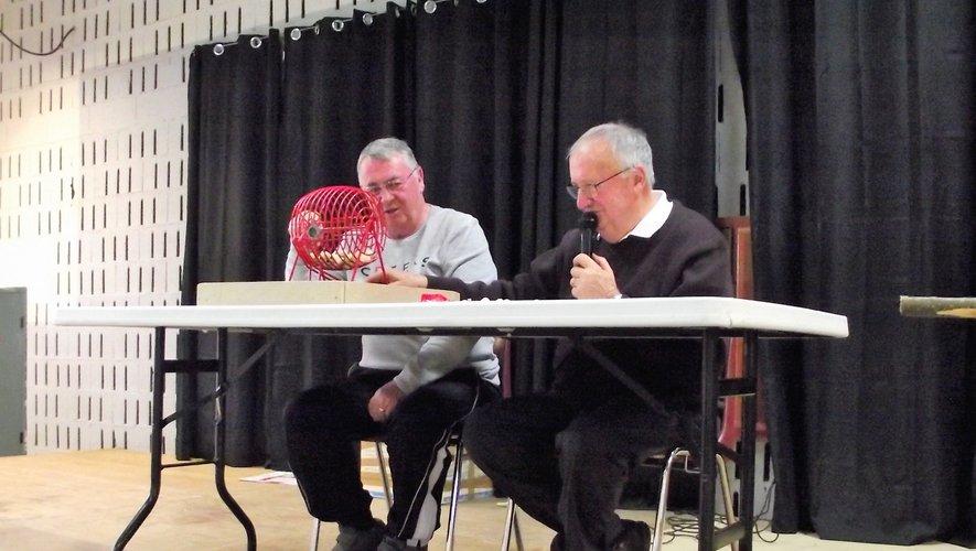 Francis et Raymond au tirage des numéros.