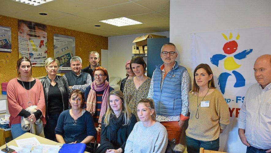 Les ÆSH et les enseignants côte à côte pour demander la revalorsation du statut.