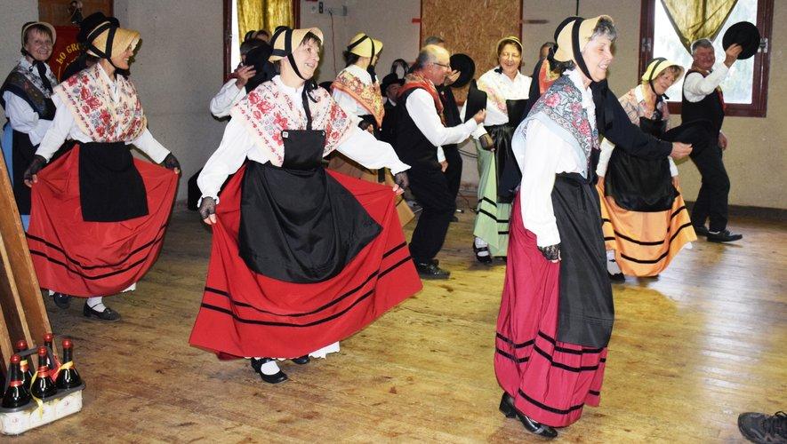 """Les danseurs de """"La Crouzade"""""""